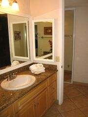 Lahaina condo photo - Hall bathroom w/ granite counter and newly remolded walk in shower,