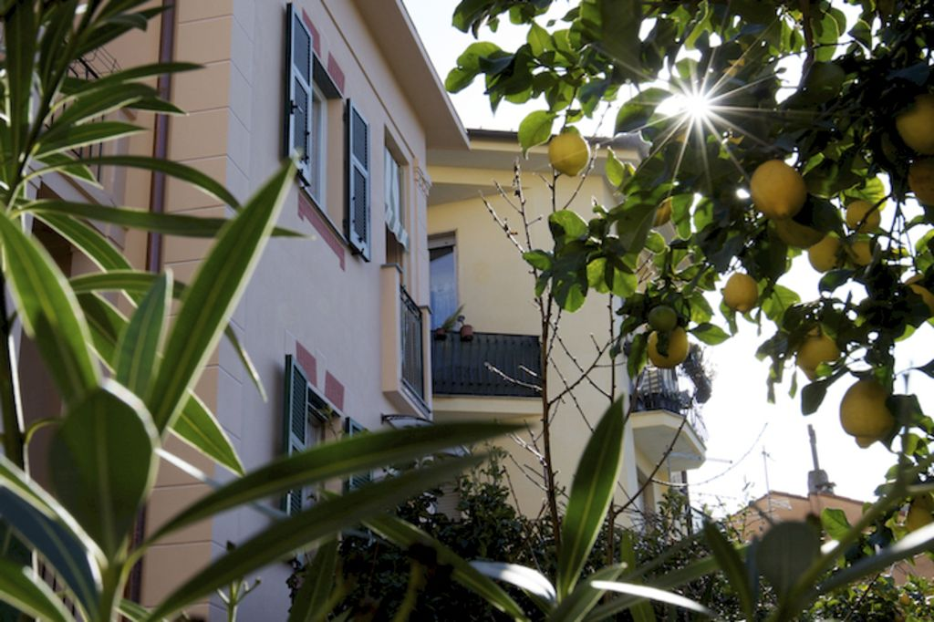 Levanto, Le petit bijou: charming and relaxing two-room apartment at the sea! Wifi, Air cond.