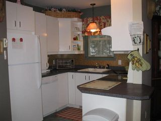 Mont Tremblant townhome photo - 3 bedroom townhouse kitchen