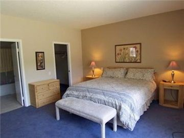 King Bed, Walk-in Closet, Ensuite Bath