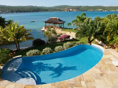 MAKANA VILLA JAMAICA  - Luxury 6 Bed Beachfront  Villa Discovery Bay - Staff Included