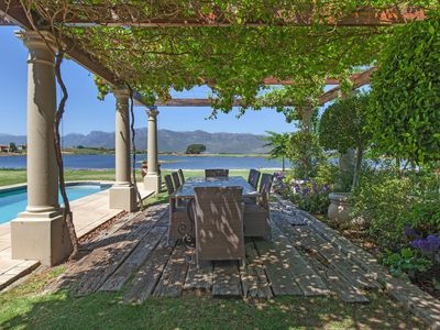 Stunning, Safe and Spacious – Cape Winelands Villa in Prime Location