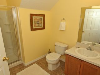 Paradise Cay townhome photo - Kids' bathroom