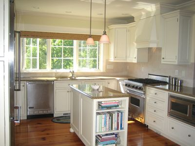 Fully-equipped gourmet chef's kitchen w/ Mouser cabinetry and Viking appliances.