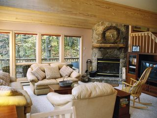 Canaan Valley chalet photo - Great Room with queen sleeper sofa