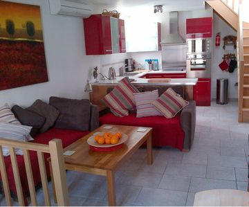 Fully renovated 'maison de village' with roof terrace & air-conditioning