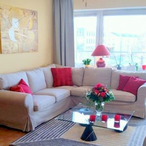 Munich Center- bright, elegant  3  room flat -