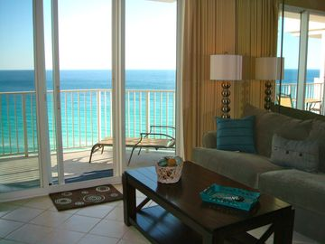 Enter condo and you have the MOST amazing full view of Gulf on the 12th floor!