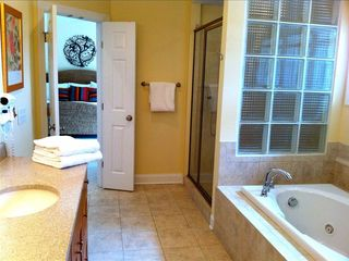 Bald Head Island house photo - Main master bath, double vanity is only partially in view