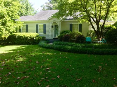 Lyndsie Cottage - Augusta's home away from home!