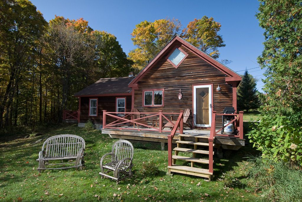 goldilocks cabin romantic cabin on 4 acres  wood stove