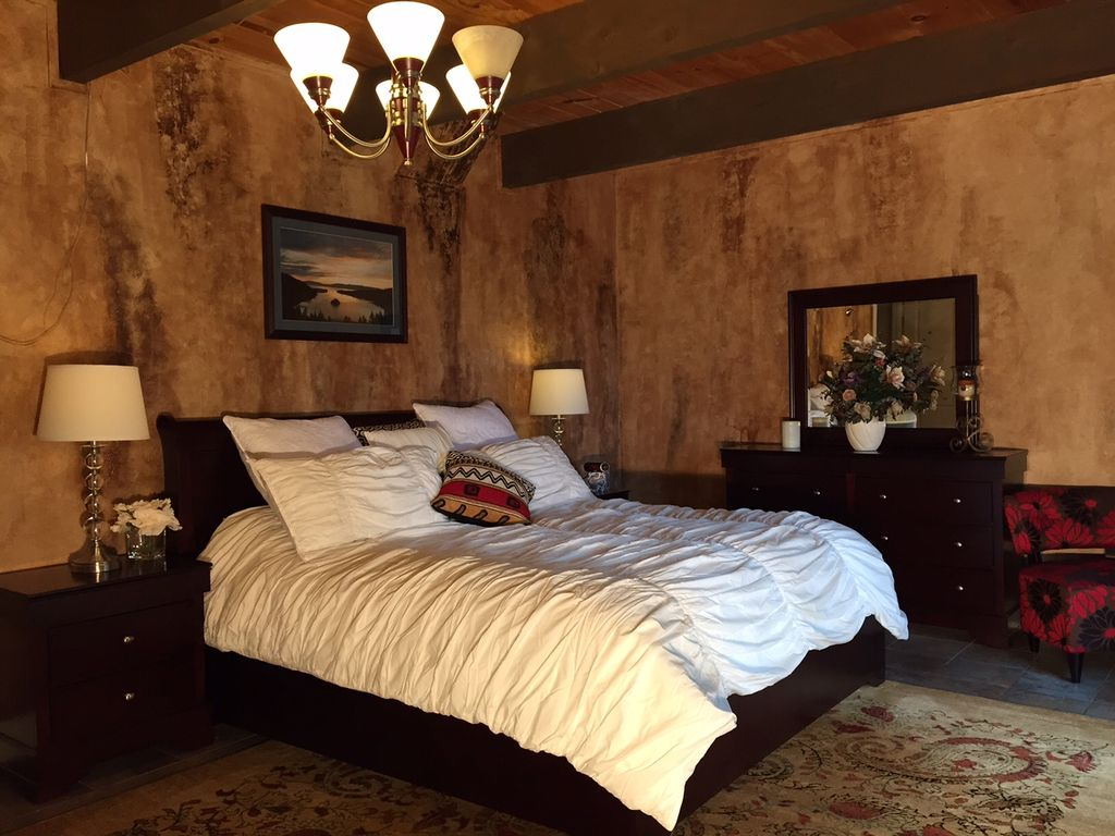Beautifully remodeled cabin near heavenly vrbo for Master bedroom downstairs
