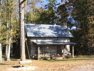 Fort Payne cabin rental - Cabin with 1 BR loft / PRIVATE & BEAUTIFUL!