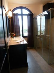 Western Bathroom - Da Nang villa vacation rental photo