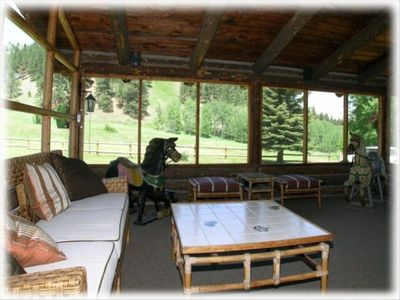 Helena lodge rental - Large screened porch