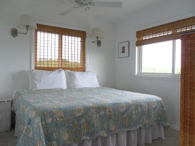 Staniel Cay cottage rental - Bedroom with joinable twin beds