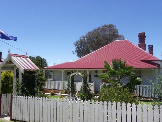 Historic Tenterfield Cottage c1895-Family friendly
