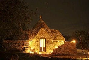 The trullo at night (photo P. Dilks ©)