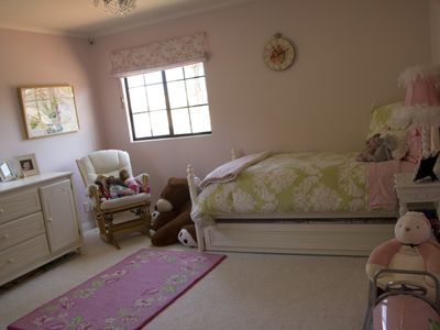Manhattan Beach house rental - girl's room