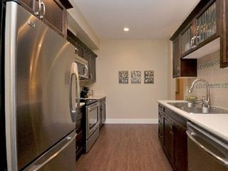 Victoria apartment photo - gourmet galley kitchen