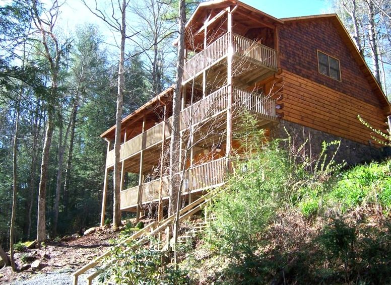 Toccoa pearl on beautiful toccoa river vrbo for 8 bedroom cabins in blue ridge ga