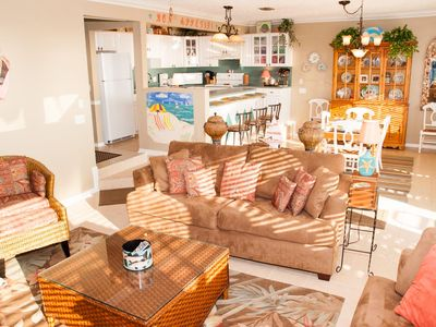 Laguna Beach condo rental - Full view of living room, dining area and large kitchen.