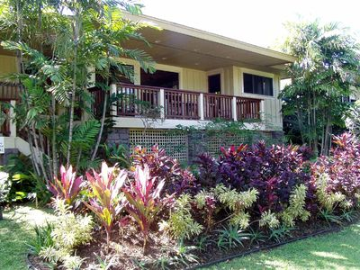 Anini Beach house rental - Front lanai facing ocean with lush plantings