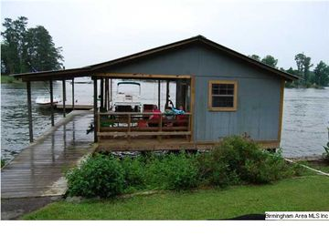 Cropwell house rental - Boat house and dock