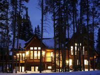 Shock Hill Chalet - Ski In/Out, appx 100 yd to gondola: Specials available!