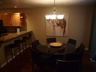 Cottonwood Heights townhome photo - Dining room seating for six plus breakfast bar = 10