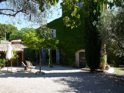 Rent a charming stone farmhouse restored the 18th, 10 km from the sea.
