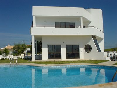 Stunning Villa Set In Its Own Gardens, With a Large Private Swimming Pool.