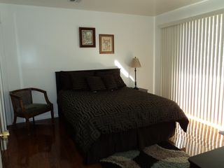 Los Angeles house photo - Queen Bedroom