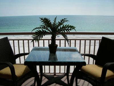 PRIVATE BALCONY OVERLOOKS THE GULF OF MEXICO
