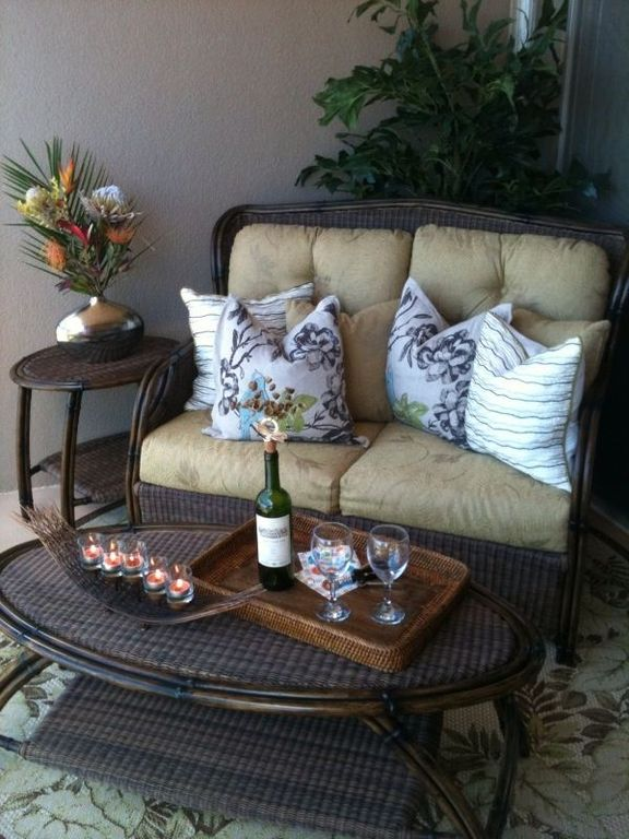Enjoy a glass of wine or hot cup of Maui coffee out on the lanai.