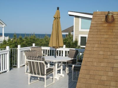 Beautiful Ocean Views on large deck