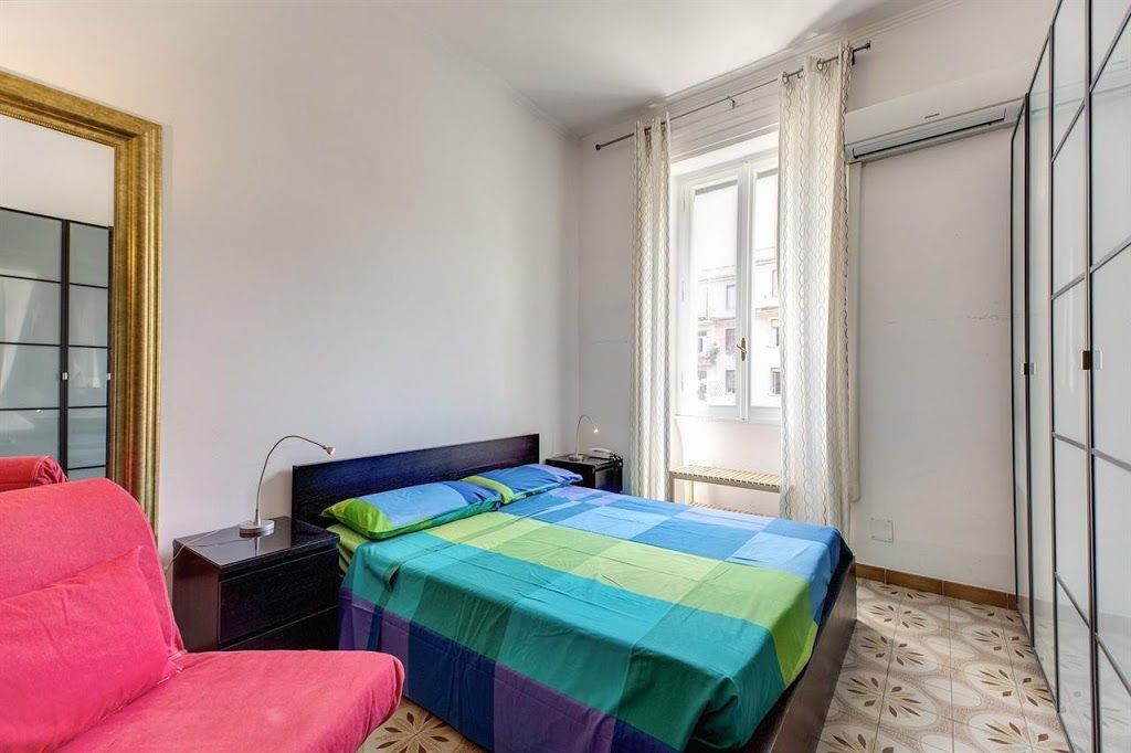 Bedroom In Rome With HVAC Washing Machine VRBO