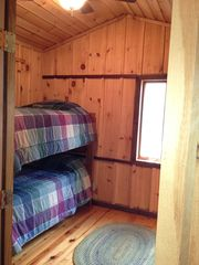 Lake Glenville lodge photo - Bunk room: two twin beds