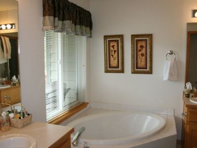 Extra Large Master Soaking Tub...