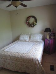 Beaver Lake house photo - Queen Bed Room. Upper level.