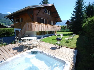 Luxury 5 bedroom chalet with hot tub, 50m from ski lift, Alps Accommodation, Morillon Ressacha