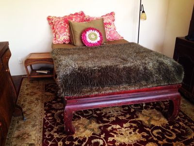 Bright bedroom w/ full memory foam mattress, opens to front patio and fountain