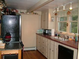 Cape Elizabeth cottage photo - Cozy Kitchen...
