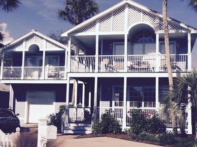 'Palm Place' 6BR Main & Carriage House Sleeps 18