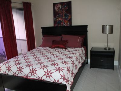 Fort Lauderdale house rental - Bedroom #3 with queen-size bed