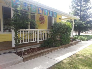 Paso Robles house rental - Inviting sunny and landscaped exterior.