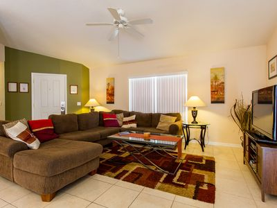 Town Center Reserve - Superior Disney Villa with Lake View and free WiFI