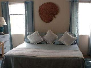 Bermuda apartment photo - King Size Bed