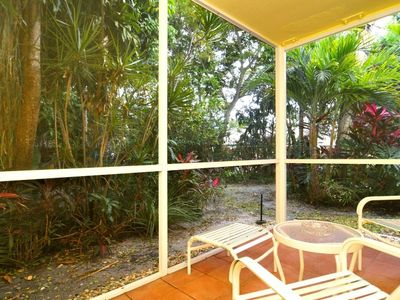 Tropical screened lanai