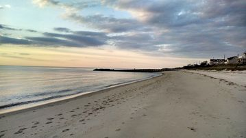 Cape May villa rental - BELA's Beach. View down beach, in front of house.